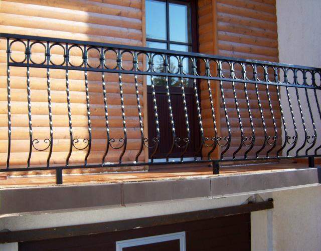 tvoru-montavimas balkono varteliai 2