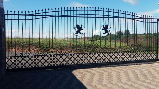 tvoru-montavimas metaliniai vartai 1