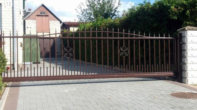 tvoru-montavimas metaliniai vartai 3