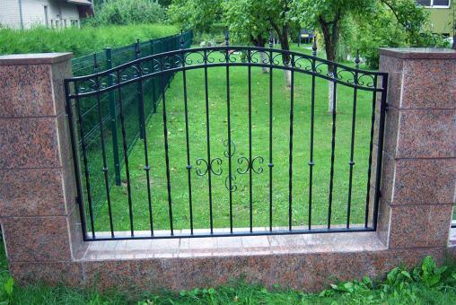 tvoru-montavimas vartai 1