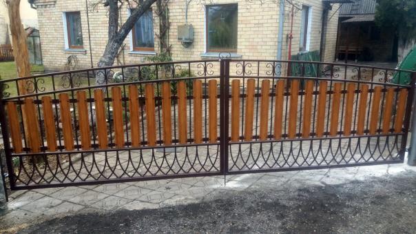 tvoru-montavimas vartai 92